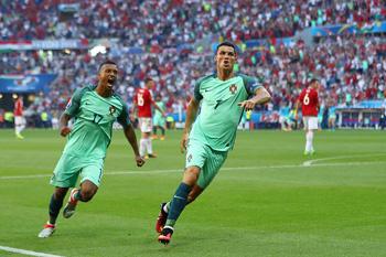 Ronaldodan bir oyuna iki rekord