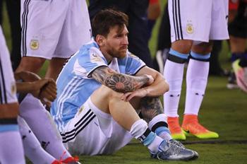 Messi Argentina millisindən getdi!