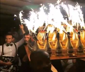 Məğlub olan yığma üzvləri 500 şampan şərabı sifariş verdi - VİDEO