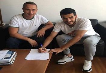 Azərbaycanlı futbolçu Portuqaliyanın tanınmış klubu ilə müqavilə bağladı - FOTO