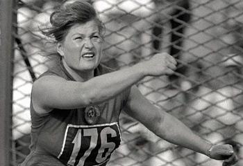 İlk Olimpiya çempionu dünyasını dəyişdi