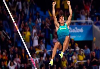 Olimpiya çempionuna bir kiloqram qızıl hədiyyə verildi