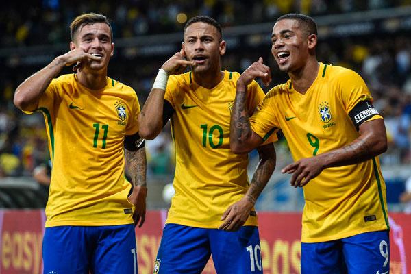 Neymar Pele və Ronaldoya çatdı