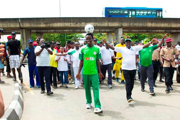 Nigeriyalı futbolçudan qeyri-adi rekord -