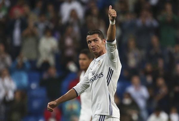 Ronaldo qəzaya uğrayan komandanı unutmadı