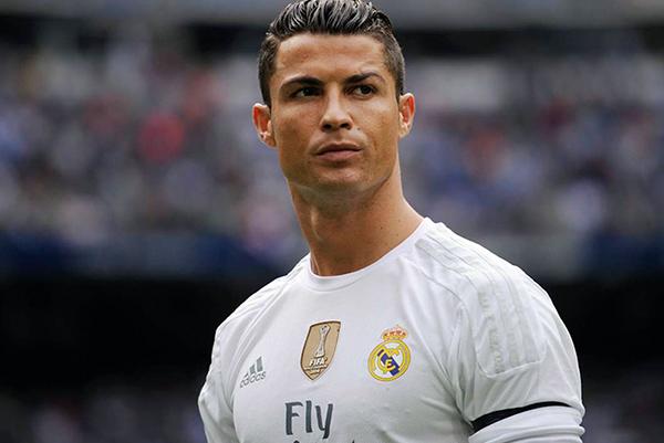 """Kristiano Ronaldo Fələstində """"ilin adamı"""" seçildi"""