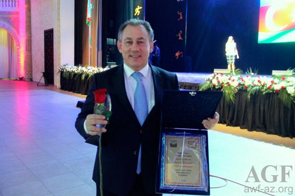 Azərbaycan Güləş Federasiyasına mükafat verildi