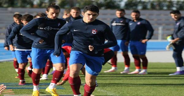 Daha bir futbolçumuz Portuqaliyaya yollanır