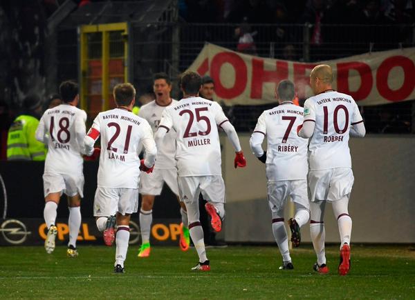 Lewandowski nets late winner as Bayern Munich beat Freiburg