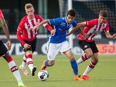 Azərbaycanlı futbolçu Hollandiyada fərqləndi