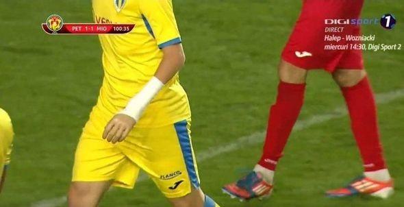 Əlsiz futbolçu ölkə kubokunda debüt etdi -